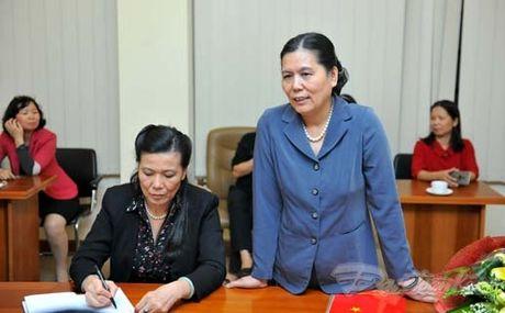 Trao quyet dinh nghi huu cho nguyen Chu tich Hoi LHPN Viet Nam - Anh 4