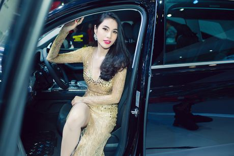 Thuy Tien, Dong Nhi dien voi jumpsuit goi cam - Anh 3