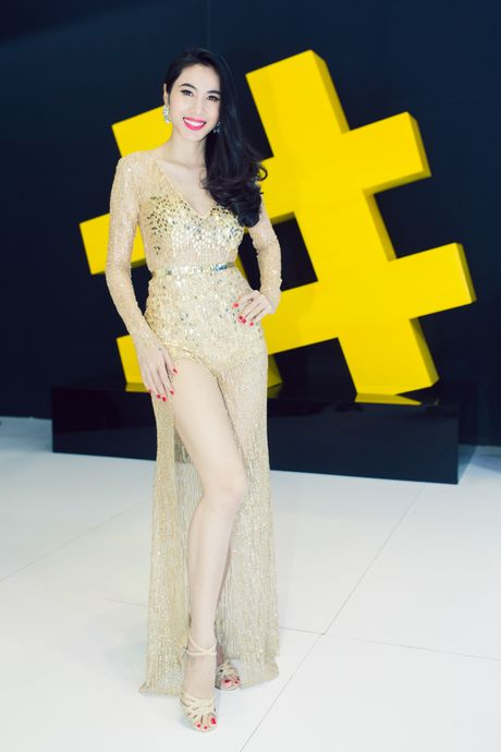 Thuy Tien, Dong Nhi dien voi jumpsuit goi cam - Anh 4