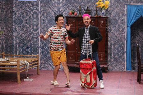 Thanh Duy om Truong Giang bat khoc nhu mua trong game show - Anh 2
