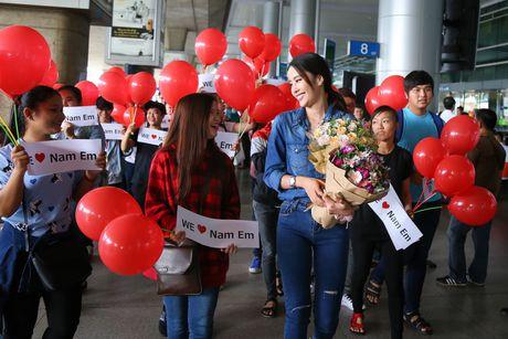 Nam Em rang ro tro ve tu Hoa hau Trai dat 2016 - Anh 3