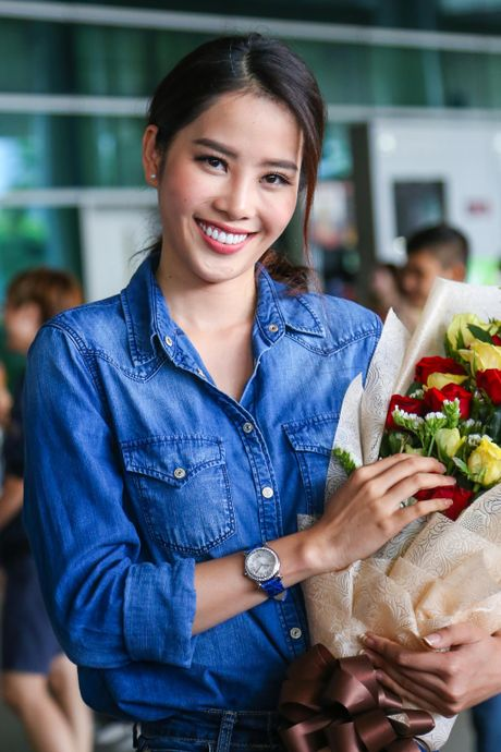 Nam Em rang ro tro ve tu Hoa hau Trai dat 2016 - Anh 4
