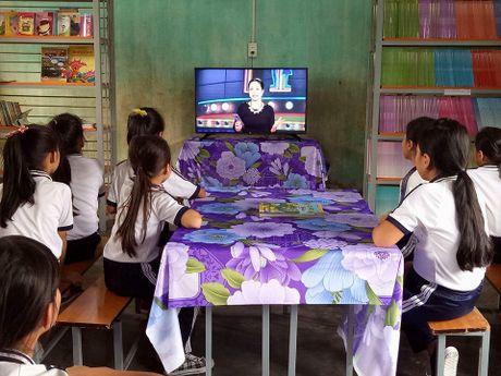 Tang TV thong minh cho 28 truong tieu hoc mien nui - Anh 1