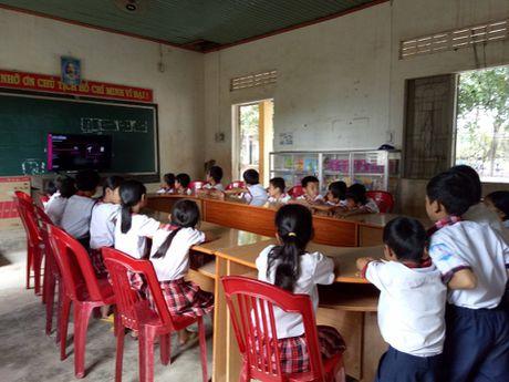 Tang TV thong minh cho 28 truong tieu hoc mien nui - Anh 4
