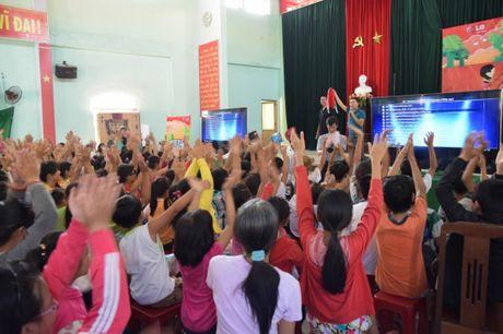 Tang TV thong minh cho 28 truong tieu hoc mien nui - Anh 6