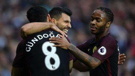 Arsenal thong tri doi hinh tieu bieu Ngoai hang Anh vong 10 - Anh 11