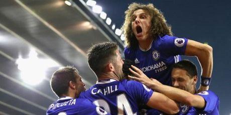 Chelsea oanh tac Ngoai hang Anh, Conte ban lenh 'doc chieu' - Anh 2