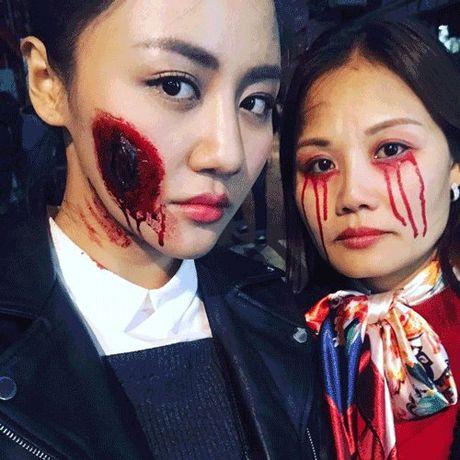 Phat hoang khi MC Ky Duyen, BTV Quang Minh hoa trang Halloween - Anh 1