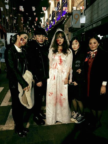 Phat hoang khi MC Ky Duyen, BTV Quang Minh hoa trang Halloween - Anh 2