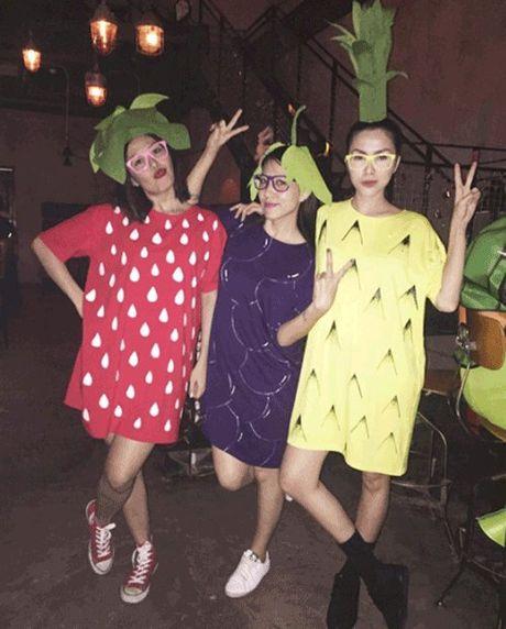 Phat hoang khi MC Ky Duyen, BTV Quang Minh hoa trang Halloween - Anh 4