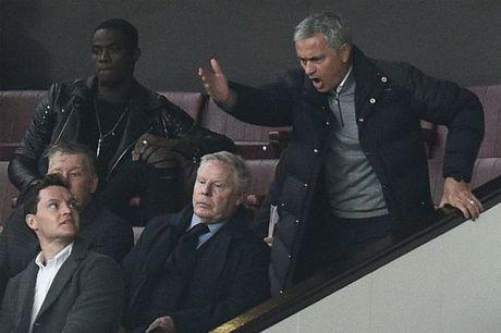 Nghich canh Conte - Mourinho: Ke bay cao, nguoi chim sau - Anh 3