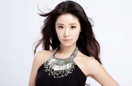Cong dong mang bi Lam Tam Nhu mang te tat vi dung chuyen 'bung bau, ep cuoi' - Anh 1