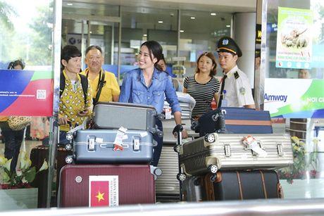 Showbiz 31/10: Nam Em sap tien than, Tran Thanh chot cuoi Hari Won - Anh 1