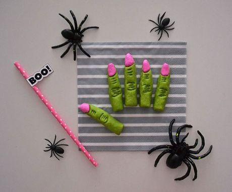 Mon an 'hoa trang' son da ga vao ngay Halloween nhung kho the bo qua - Anh 1