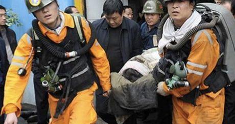 No mo gas o Trung Khanh, Trung Quoc, 33 nguoi bi mac ket - Anh 1