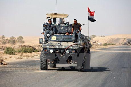 Quan doi Iraq chiem duoc tru so dai truyen hinh tai Mosul - Anh 1