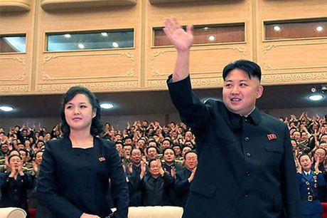 Vo Kim Jong Un mat tich bi an suot 7 thang - Anh 1