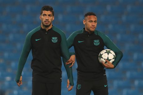 Neymar, Suarez quan quyt khong roi tren san tap truoc dai chien Man City - Anh 6
