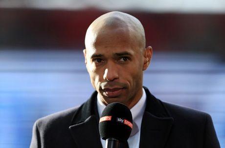 Diem tin sang 1/11: Arsenal se vo dich, Xuat hien giai thuong Qua bong Vang phien ban FIFA - Anh 1