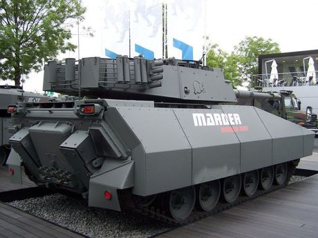 Lo dien xe tang hang trung bi an danh cho Indonesia - Anh 5