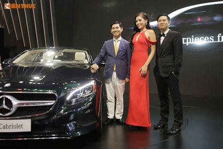 Hoa hau Ky Duyen 'cap ke' xe sang nha Mercedes - Anh 2