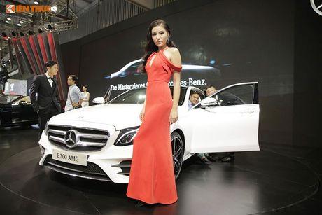 Hoa hau Ky Duyen 'cap ke' xe sang nha Mercedes - Anh 3