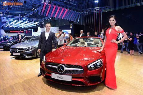 Hoa hau Ky Duyen 'cap ke' xe sang nha Mercedes - Anh 5
