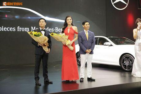 Hoa hau Ky Duyen 'cap ke' xe sang nha Mercedes - Anh 7