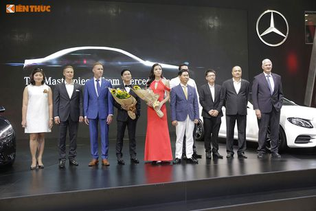 Hoa hau Ky Duyen 'cap ke' xe sang nha Mercedes - Anh 9