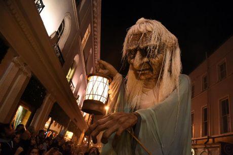 Chum anh le hoi Halloween day ma mi tren khap the gioi - Anh 7