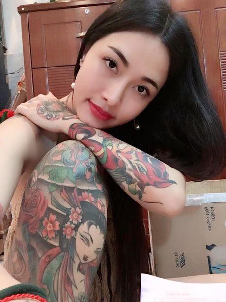 Het tam tien, hot girl xam tro lai 'cau like' dot xe SH - Anh 3