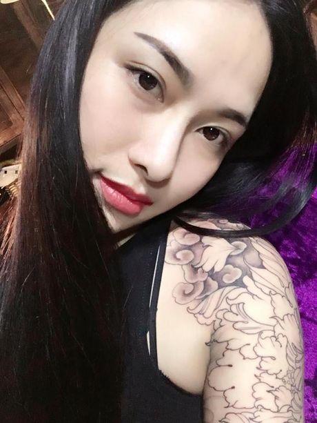 Het tam tien, hot girl xam tro lai 'cau like' dot xe SH - Anh 6