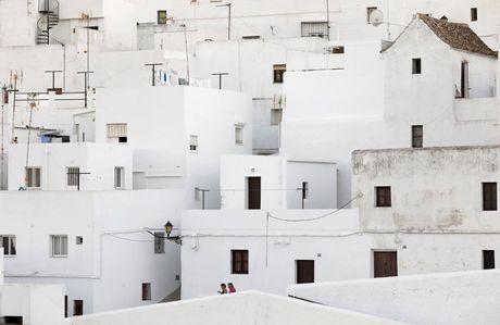 Say long truoc canh sac diem le lang trang Andalusia - Anh 1