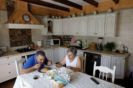 Say long truoc canh sac diem le lang trang Andalusia - Anh 6