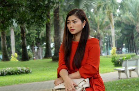Truong The Vinh say dam hon Thanh Truc tren xe hoi - Anh 7