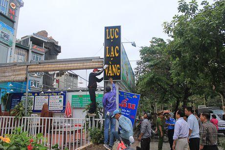 Cau Giay: Thao do cac cong trinh sai pham tren duong Nguyen Khanh Toan - Anh 1