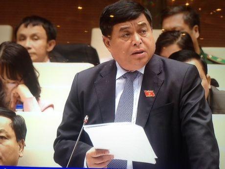 Bo truong Nguyen Chi Dung: Dau tu cong tranh dan trai - Anh 1