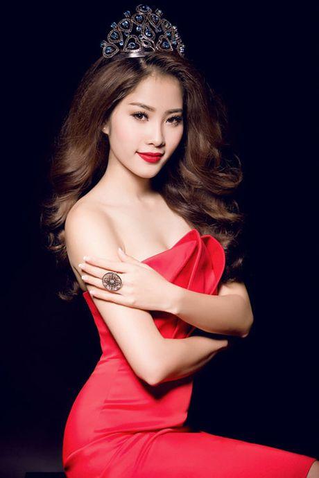 Doi tu co cuc it biet cua nguoi dep Viet Nam duy nhat lot top 8 Hoa hau Trai dat - Anh 1