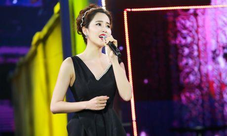 Doi tu co cuc it biet cua nguoi dep Viet Nam duy nhat lot top 8 Hoa hau Trai dat - Anh 6