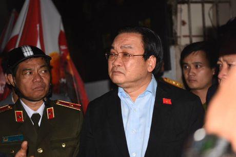 Vu chay tren pho Tran Thai Tong: Khan truong kham nghiem hien truong - Anh 1