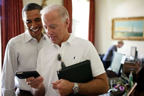 Barack Obama va Joe Biden: 'Cap doi vang' cua Nha Trang - Anh 16