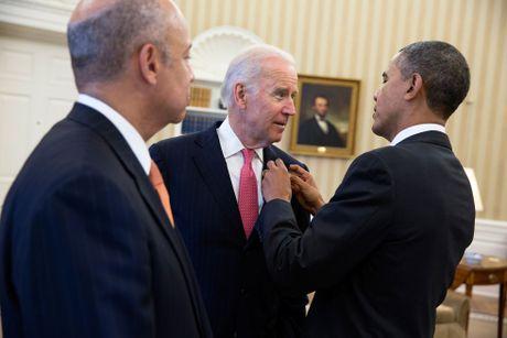 Barack Obama va Joe Biden: 'Cap doi vang' cua Nha Trang - Anh 18