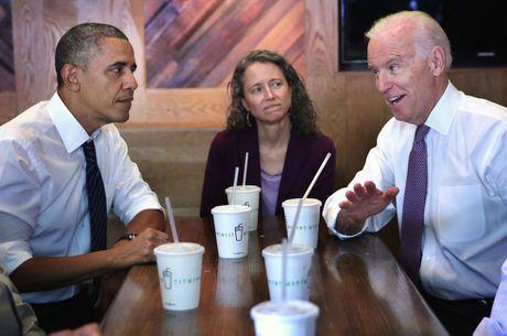 Barack Obama va Joe Biden: 'Cap doi vang' cua Nha Trang - Anh 3