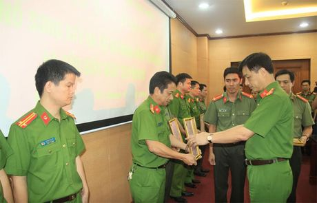 Bo truong To Lam gui thu khen Cong an TP Ha Noi kham pha nhanh vu an giet nguoi o Trung Hoa - Anh 1