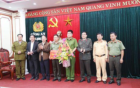 Thuong nong cho Cong an Lang Son pha 2 vu ma tuy lon - Anh 2