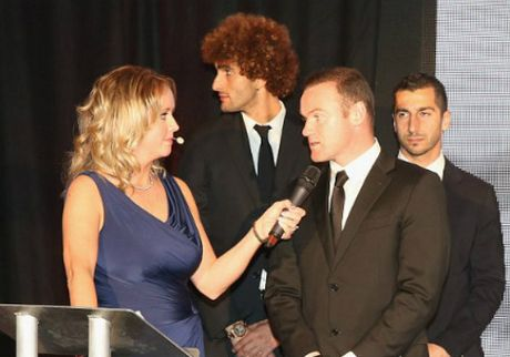 MU sa sut: Mourinho cau cuu Schweinsteiger, Mkhitaryan - Anh 3