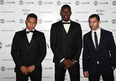 MU sa sut: Mourinho cau cuu Schweinsteiger, Mkhitaryan - Anh 5