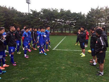 "Doi tuyen Viet Nam ""tiep lua"" cho U19 VN choi thang hoa - Anh 1"