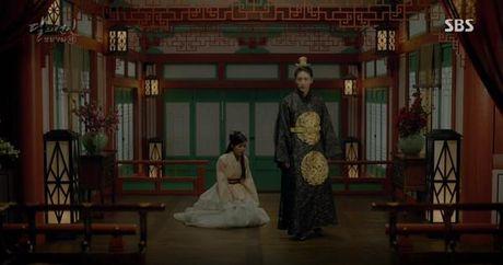 Nguoi tinh anh trang tap 19: IU duoc Lee Jun Ki ga cho em trai - Anh 2