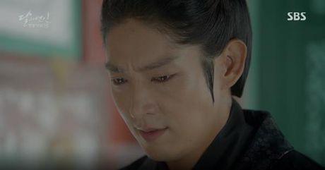 Nguoi tinh anh trang tap 19: IU duoc Lee Jun Ki ga cho em trai - Anh 3